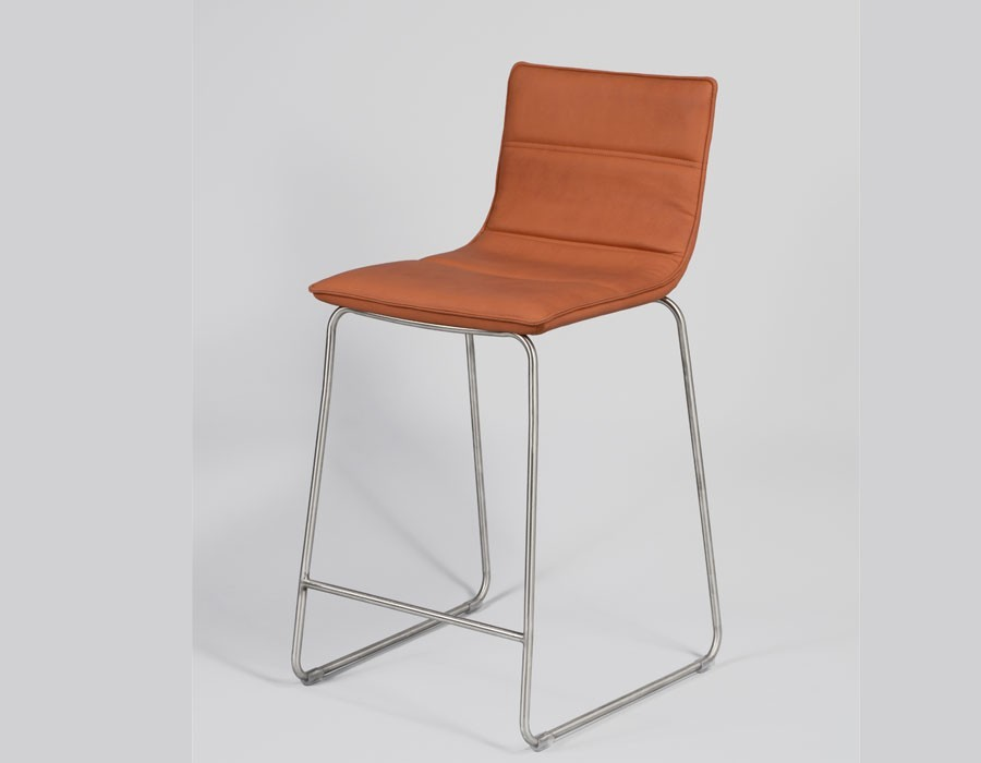 Chaise haute design orange en tissu TARDE