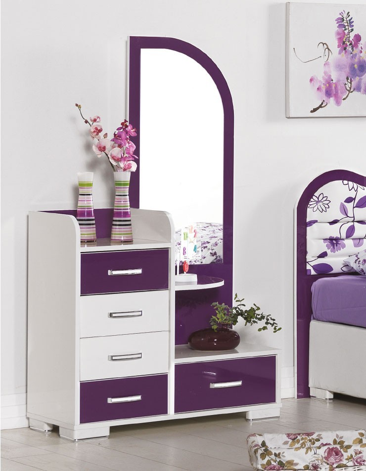 chambre fille violet argent chambre fer forge blanc lit. Black Bedroom Furniture Sets. Home Design Ideas