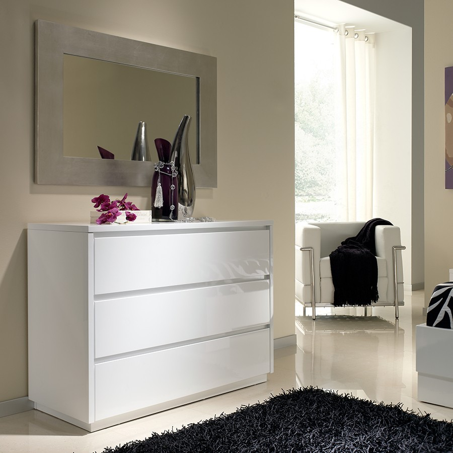 Chambre parentale marron - Grande commode blanche ...