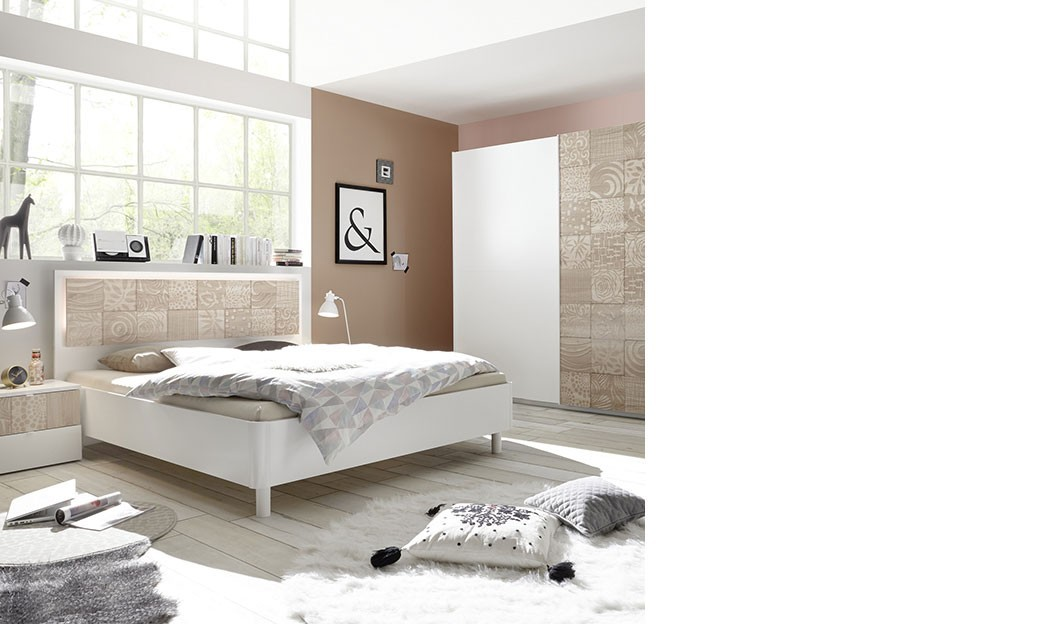 chambre moderne blanc et couleur bois milena. Black Bedroom Furniture Sets. Home Design Ideas