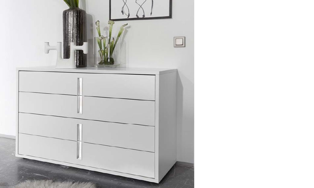 Commode design blanche et chrom chambre adulte for Commode chambre design