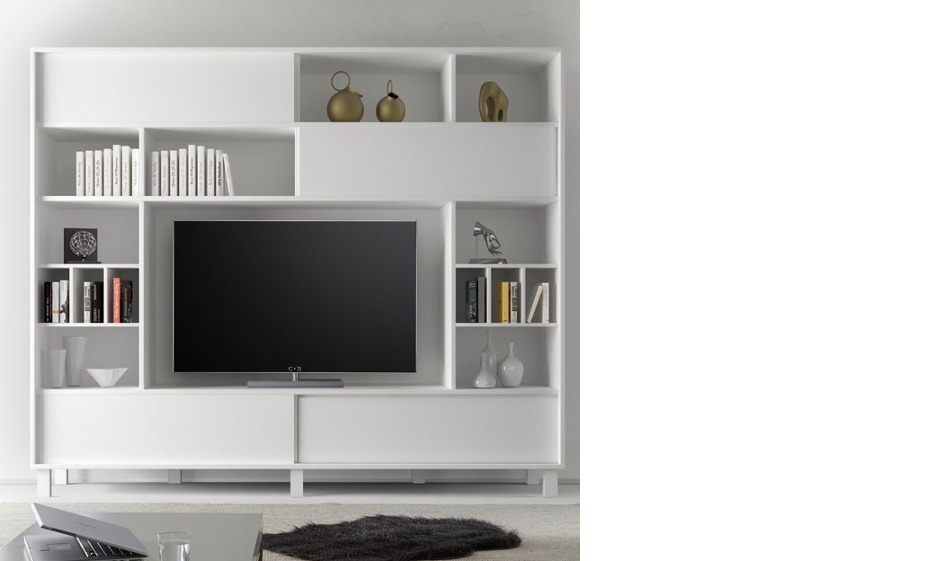 tv suspendu au mur les plinthes revtements muraux mur mur panneaux lambris bois parement. Black Bedroom Furniture Sets. Home Design Ideas