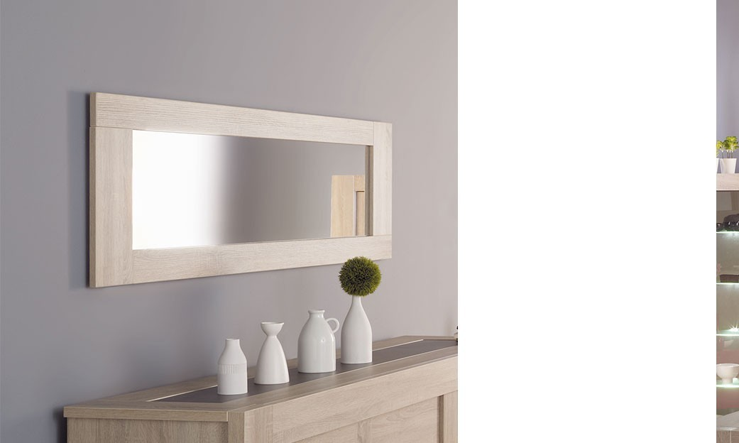 Un grand miroir au look contemporain et surtout l gant for Grand miroir rectangulaire