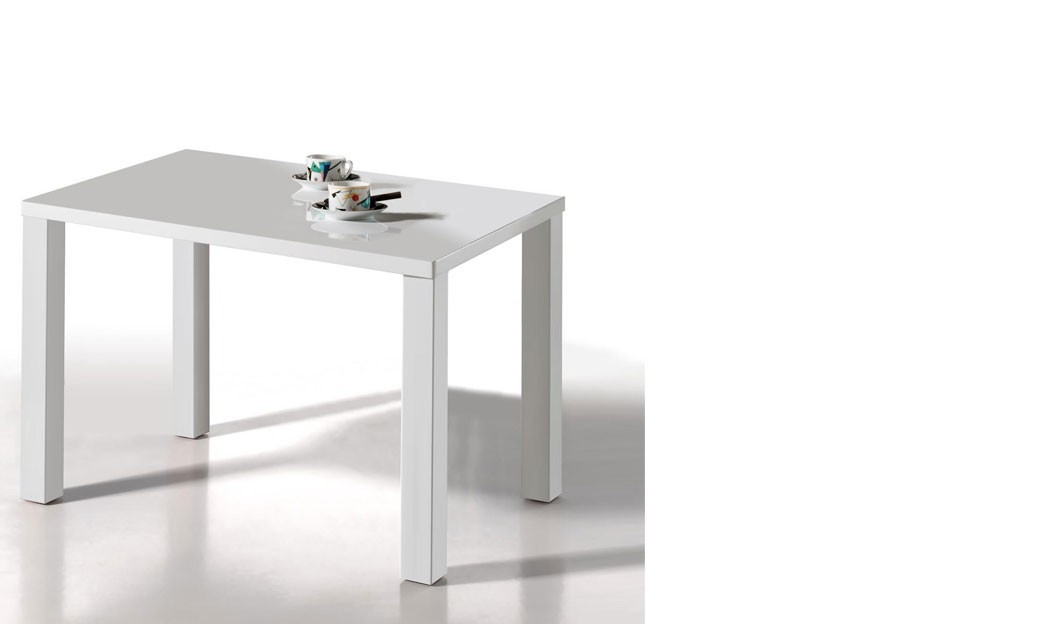 Table blanche laqu design amy for Table salle a manger design laque blanc
