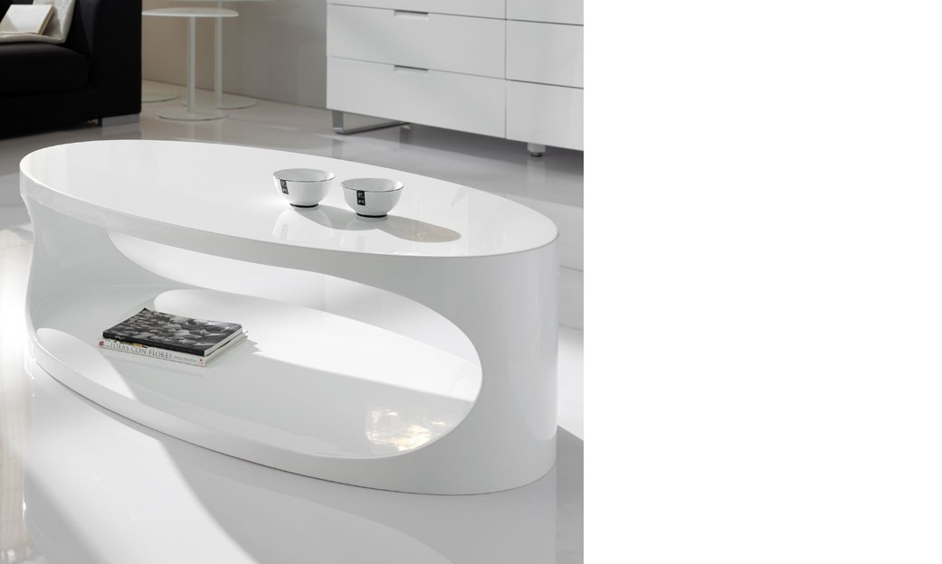 Table basse ovale blanc laqu design egg for Table ovale design