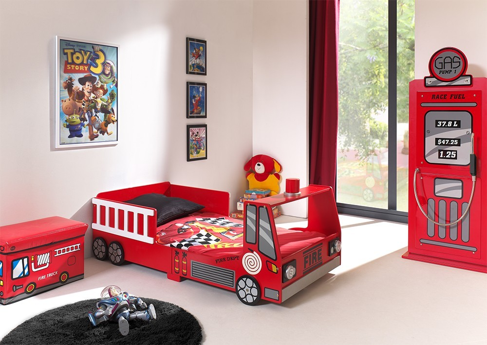 latest lit garon rouge camion de pompier with lit en forme de carrosse. Black Bedroom Furniture Sets. Home Design Ideas