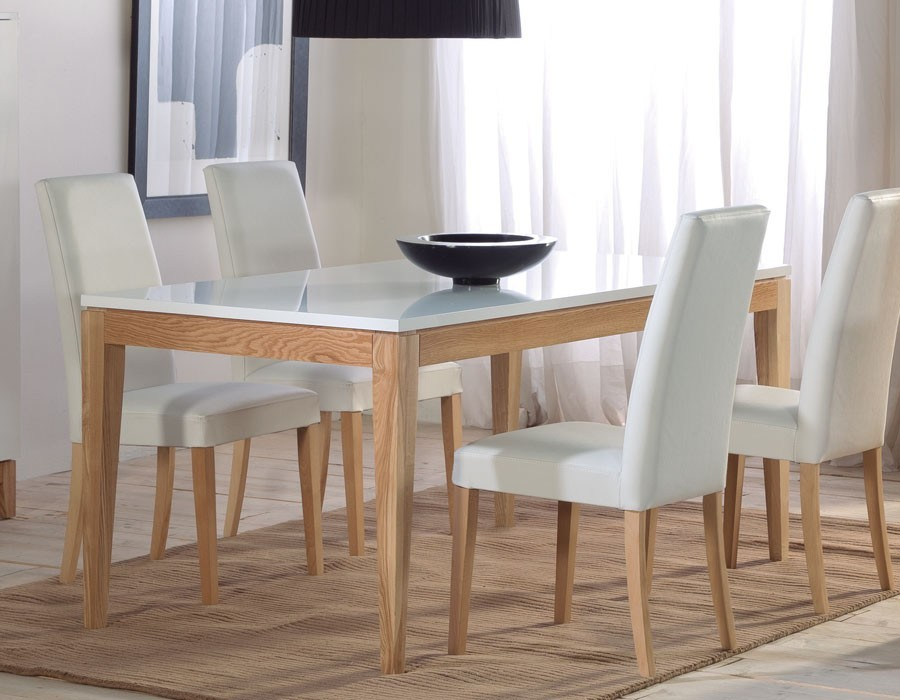 Table style nordique maison design for Salle a manger nordique