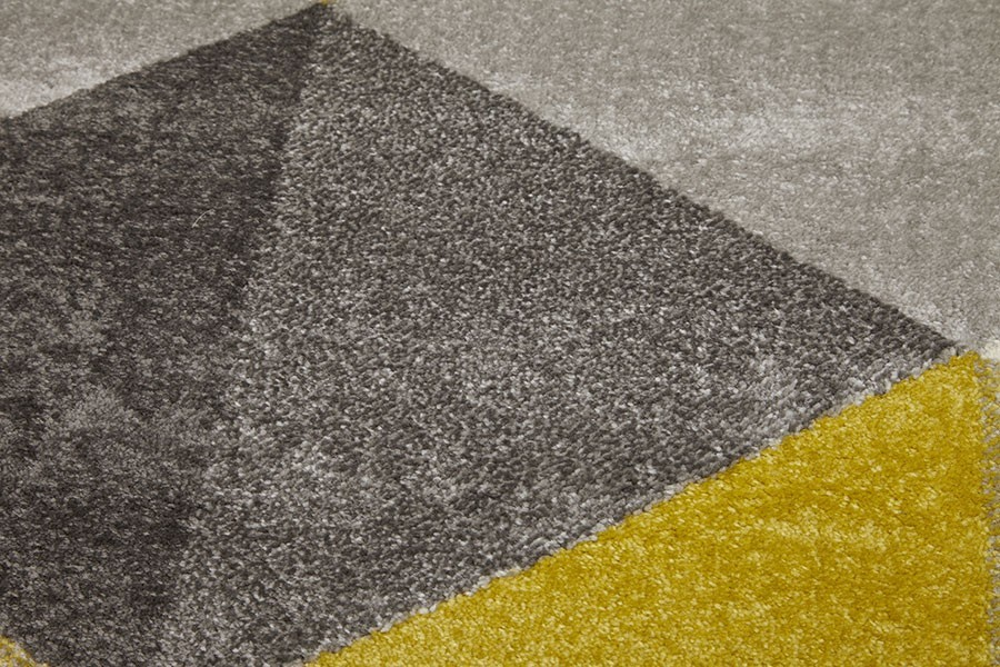 Tapis gris et jaune moutarde for Grand tapis salle a manger